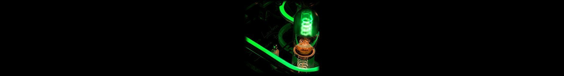 Picture of a light bulb of Green Lantern lighting with reflection on Plexiglas - Mix and match styles