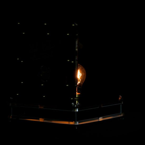 Authentic vintage table lamp high voltage offered for sale by Light My Vintage with its chic and discreet character